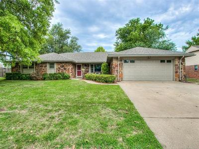Bartlesville Single Family Home For Sale: 1225 SE Meadow Lane