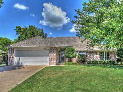 Claremore Single Family Home For Sale: 3104 Bogey Court