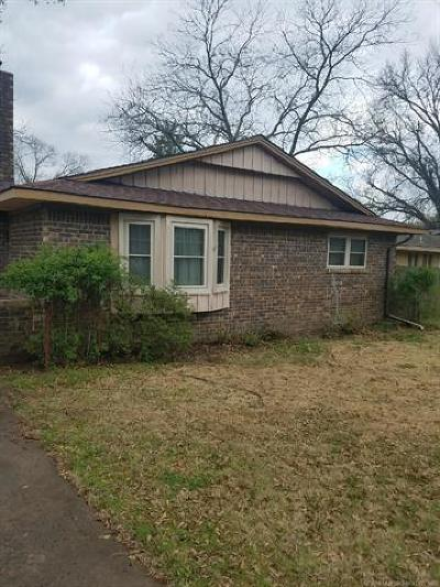 Okmulgee Single Family Home For Sale: 1308 E Hickory Street
