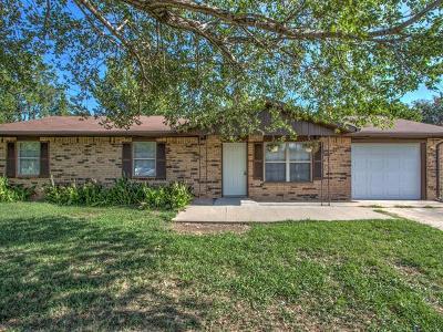 Okmulgee Single Family Home For Sale: 503 Yuchi Drive