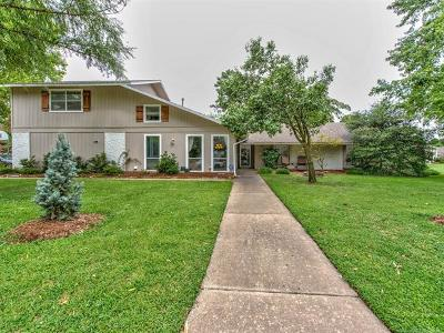Broken Arrow Single Family Home For Sale: 704 Magnolia Court