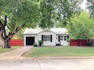 Tulsa Single Family Home For Sale: 1333 E 37th Place