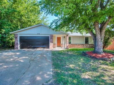 Glenpool Single Family Home For Sale: 613 W 147th Place S