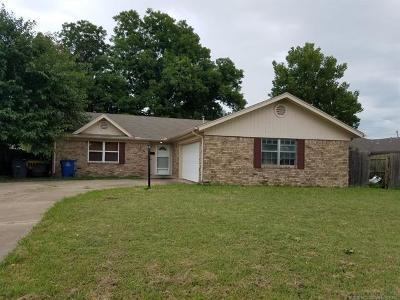Tulsa Single Family Home For Sale: 4017 S 96th East Avenue