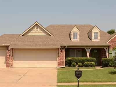 Owasso Single Family Home For Sale: 9004 N 156th East Place