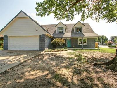 Broken Arrow Single Family Home For Sale: 1013 S Aspen Court