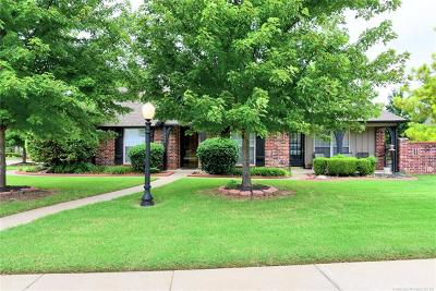 Owasso Condo/Townhouse For Sale: 9002 N 100th East Avenue
