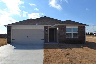 Owasso Single Family Home For Sale: 10002 E 106th Court N