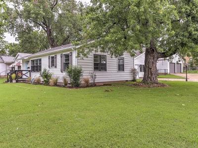 Tulsa Single Family Home For Sale: 3547 S Louisville Avenue