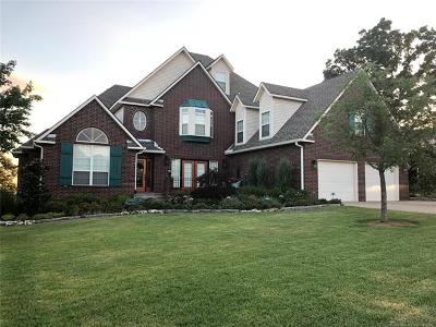 Sand Springs Single Family Home For Sale: 1322 N Old North Place