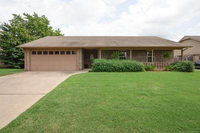 Owasso Single Family Home For Sale: 8207 N 128th East Avenue