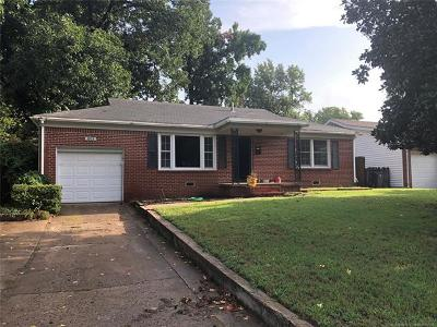 Tulsa Single Family Home For Sale: 1103 E 49th Street