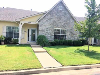 Tulsa Condo/Townhouse For Sale: 8414 E 74th Court