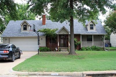 Tulsa Single Family Home For Sale: 3813 E 11th Place