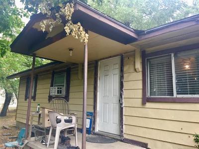 Oologah Single Family Home For Sale: 200 E Sunday Avenue