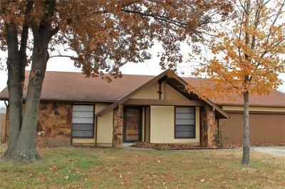 Broken Arrow OK Single Family Home For Sale: $154,500