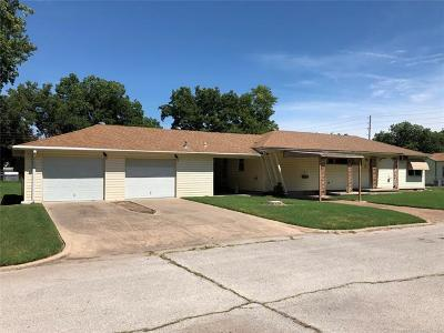 Okmulgee Single Family Home For Sale: 1305 W 5th Street