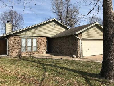 Okmulgee Single Family Home For Sale: 2305 E Fieldstone Street