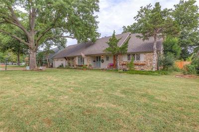 Tulsa Single Family Home For Sale: 6047 E 57th Place