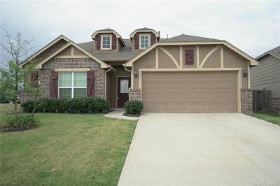 Jenks Single Family Home For Sale: 3917 W 104th Place S