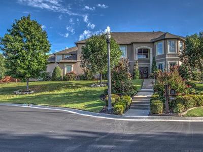 Tulsa Single Family Home For Sale: 6215 E 86th Place