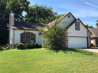 Sand Springs Single Family Home For Sale: 404 W 54th Street