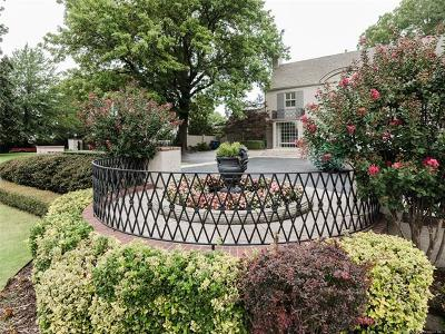 Tulsa Single Family Home For Sale: 2441 E 31st Street