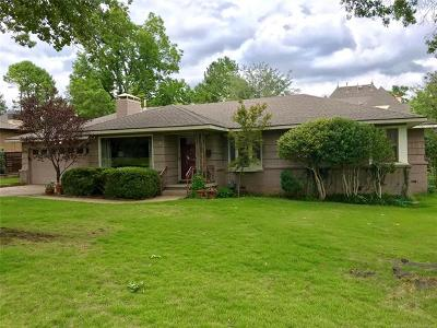 Tulsa Single Family Home For Sale: 2655 E 33rd Place