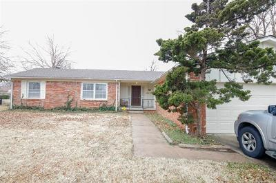 Tulsa Single Family Home For Sale: 8532 E 31st Street