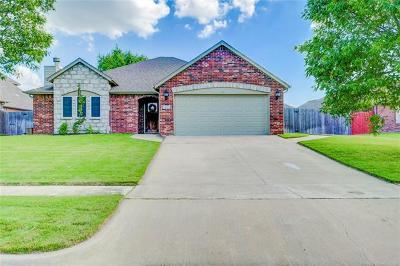 Broken Arrow Single Family Home For Sale: 1009 S 72nd Street