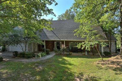 Broken Arrow Single Family Home For Sale: 615 E Winston Circle