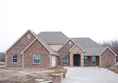Owasso Single Family Home For Sale: 8239 N 154th East Avenue
