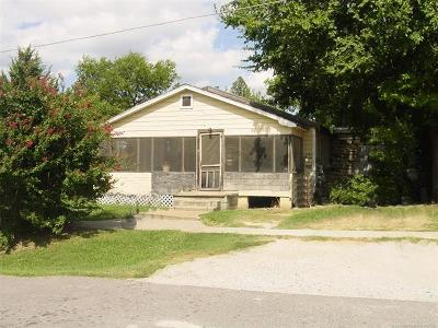 Owasso Single Family Home For Sale: 201 W Broadway Street
