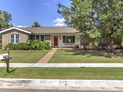 Single Family Home For Sale: 7363 E 76th Street