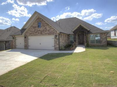 Owasso Single Family Home For Sale: 8426 N 77th East Avenue