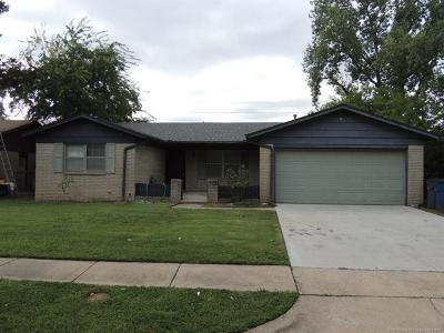 Tulsa Single Family Home For Sale: 2756 S 114th Street