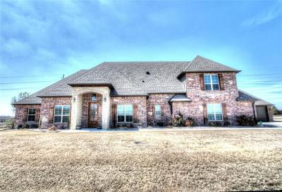 Owasso Single Family Home For Sale: 8722 N 65th East Place