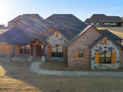 Owasso Single Family Home For Sale: 8734 N 72nd East Avenue