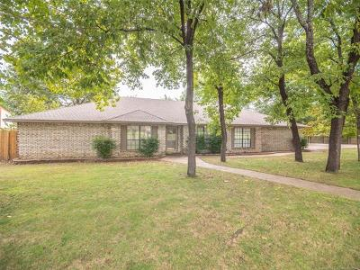 Tulsa OK Single Family Home For Sale: $254,900