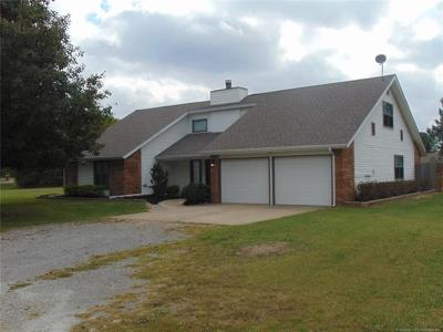 Pryor Single Family Home For Sale: 308 Cottonwood Road N