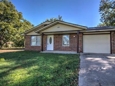 Okmulgee Single Family Home For Sale: 805 N Sherman Avenue