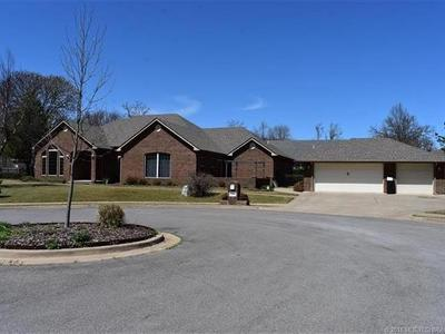Tahlequah OK Single Family Home For Sale: $425,000