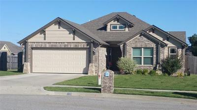 Sand Springs Single Family Home For Sale: 211 W 54th Court