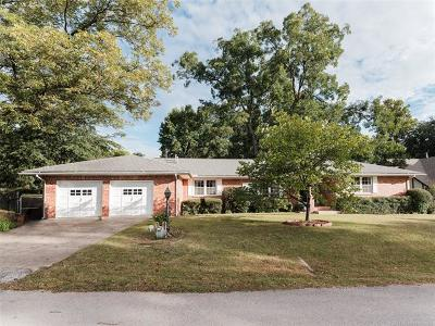 Osage County, Rogers County, Tulsa County, Wagoner County Single Family Home For Sale: 2605 E 47th Street