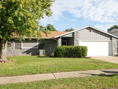 Broken Arrow Single Family Home For Sale: 1810 W Laredo Place