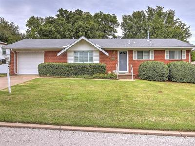 Sand Springs Single Family Home For Sale: 1113 Forest Drive