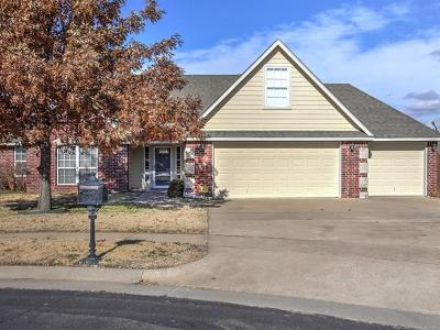 Owasso Single Family Home For Sale: 9904 N 103rd East Court
