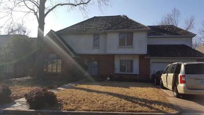 Tulsa Single Family Home For Sale: 6536 E 85th Street