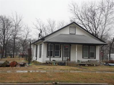 Haskell Single Family Home For Sale: 502 S Broadway Avenue