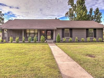 Tulsa Single Family Home For Sale: 4050 E 49th Street